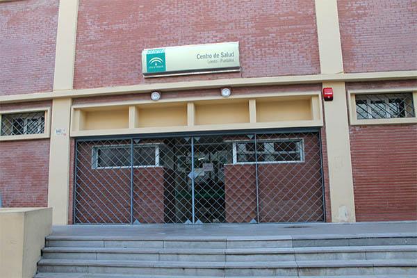 el centro de salud de loreto cierra sus puertas debido al