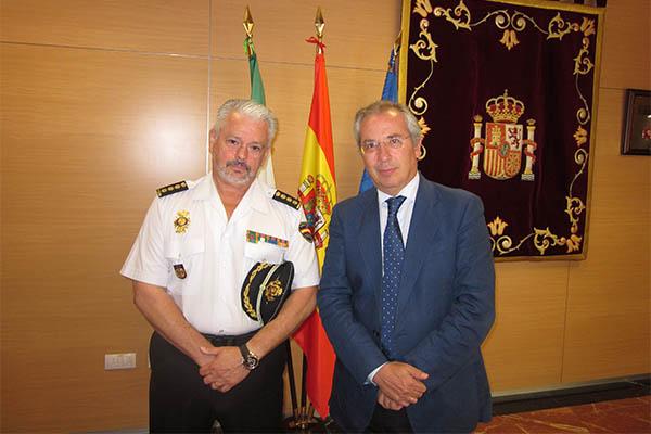 El comisario jefe provincial del cuerpo nacional de - Policia nacional cadiz ...