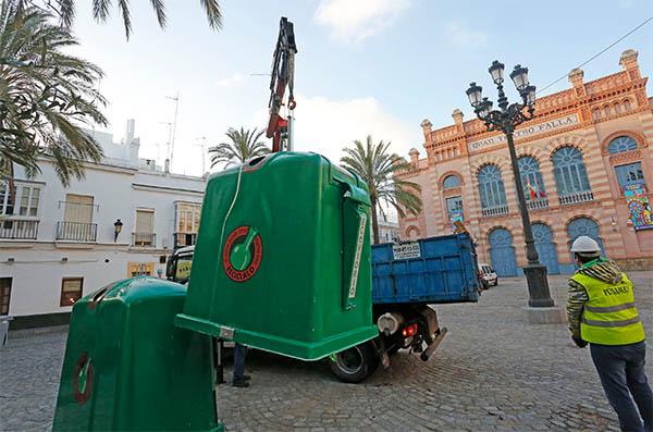 Ayuntamiento y ecovidrio ponen en marcha la recogida del for Ayuntamiento de cadiz recogida de muebles