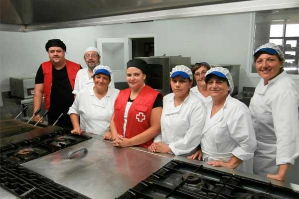 desempleados se forman en un curso b sico de cocina para
