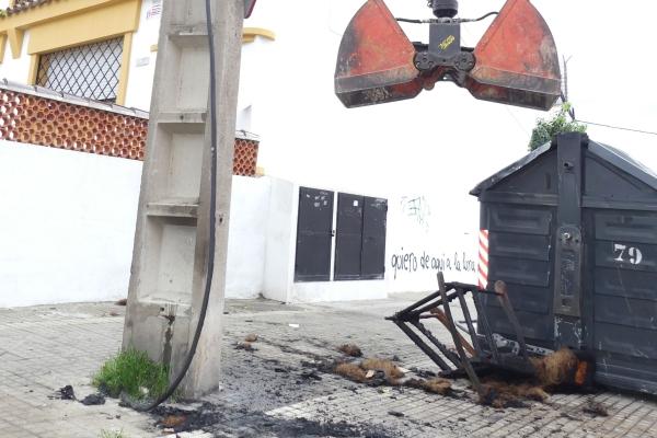 Detenido un pir mano por quemar contenedores de basura en - Policia nacional algeciras ...