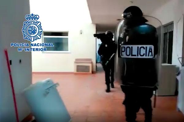 Cinco detenidos en el puerto que regentaban tres puntos de - Policia nacional cadiz ...