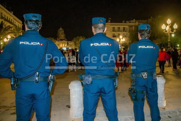 Detenidas 23 personas y una ingresa en prisi n por - Policia nacional cadiz ...